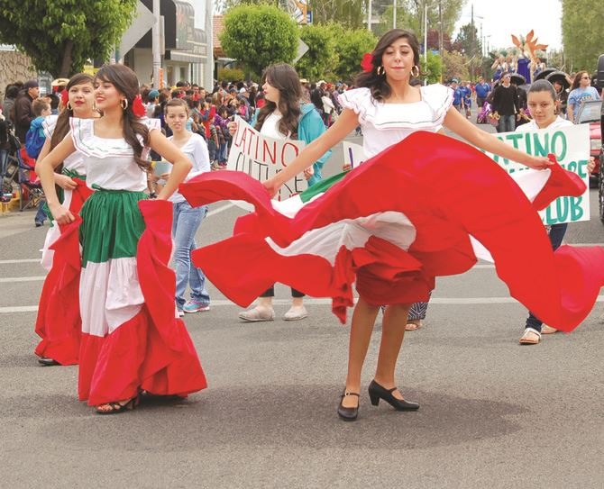 5-5_Cinco_de_Mayo_parade_t670